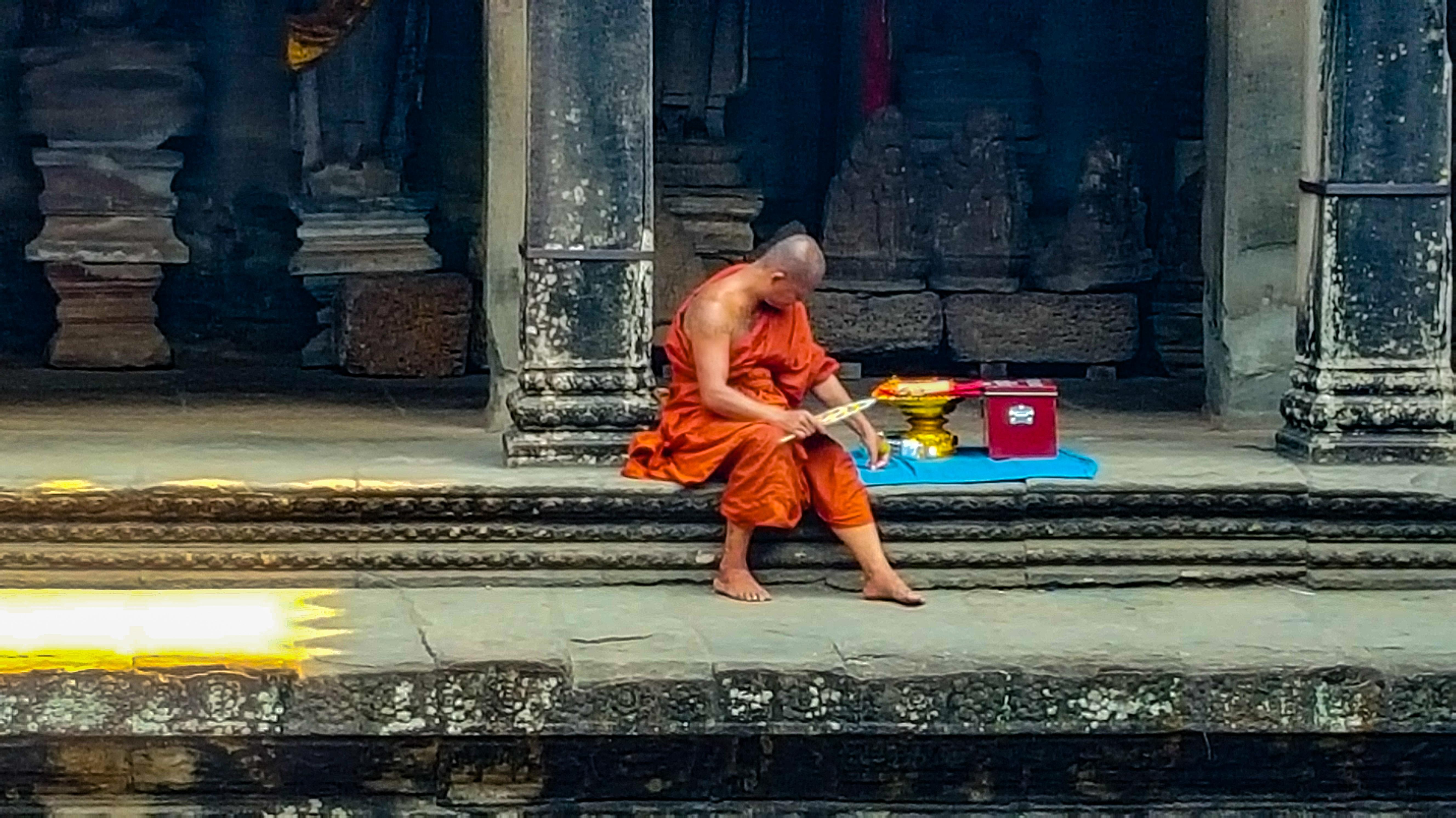 Cambogia monaco buddista