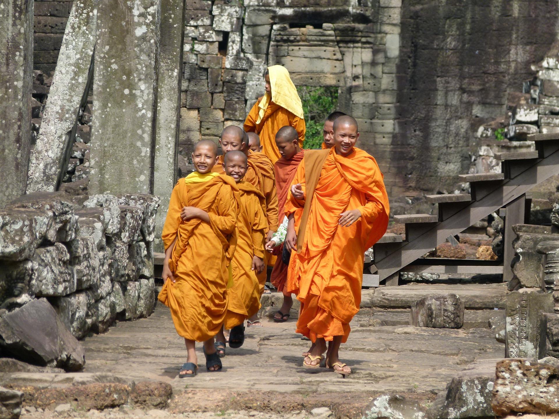 Cambogia monaci buddhisti