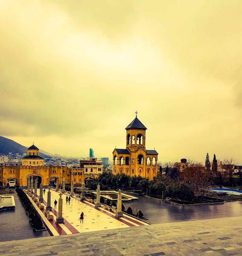 Cattedrale-della-Santissima-Trinità-Tbilisi.JPG